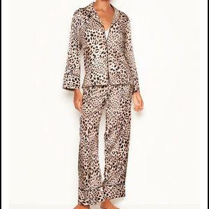 NWT Victoria's Secret Satin Leopard Pajama Set